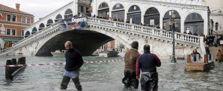 Наводнение в Венеции. Объявлено чрезвычайное положение.