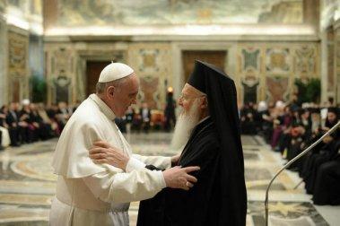 Папа Римский Франциск посетил патриарха Варфоломея.