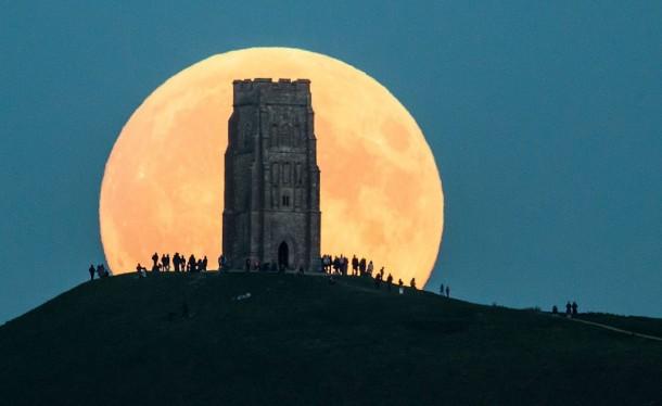 Когда бывает супер-Луна?