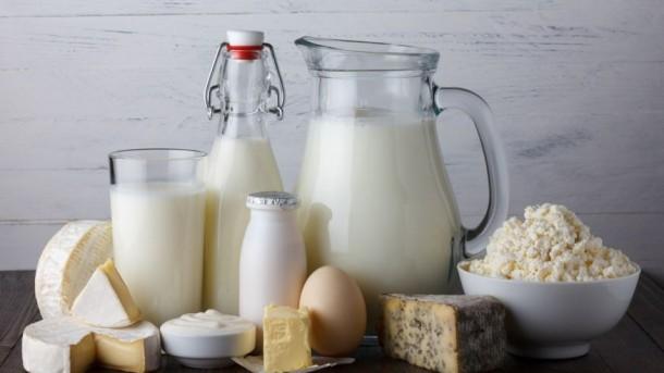 Почему женщины нуждаются в молочных продуктах: риски безмолочной диеты