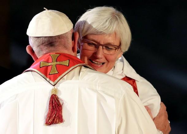Церковь Швеции изменила род Всевышнего